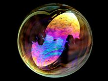 220px-Soap_bubble_sky (1)